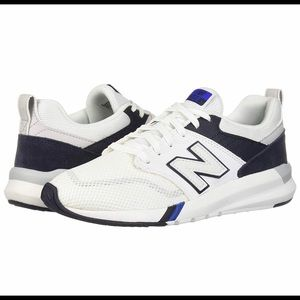 New Balance Men's 009 V1 Sneaker 11 D US